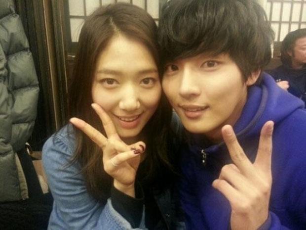 Park Shin Hye & Yoon Shi Yoon