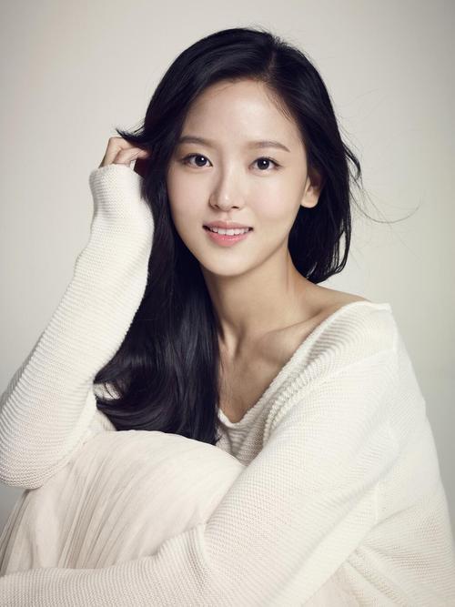Kang Hanna as Hwangbo Yeonhwa